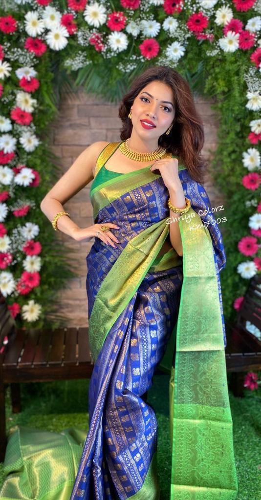 Latest Traditional Heavy Jecquard Weaving Blue And Green Saree