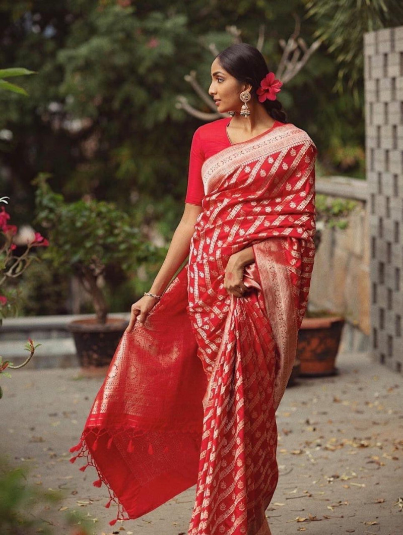 Wedding Wear Red Color Lichi Silk Designer Saree