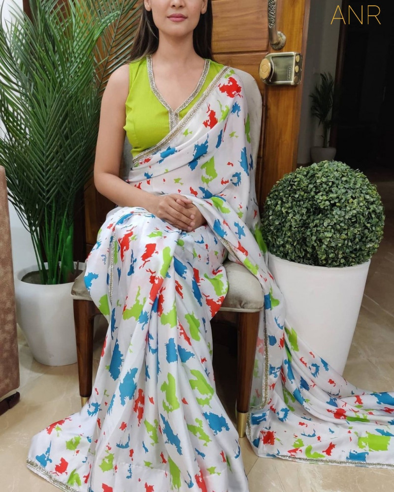 Stylish White Color Floral Printed Soft Silk Digital Printed Saree