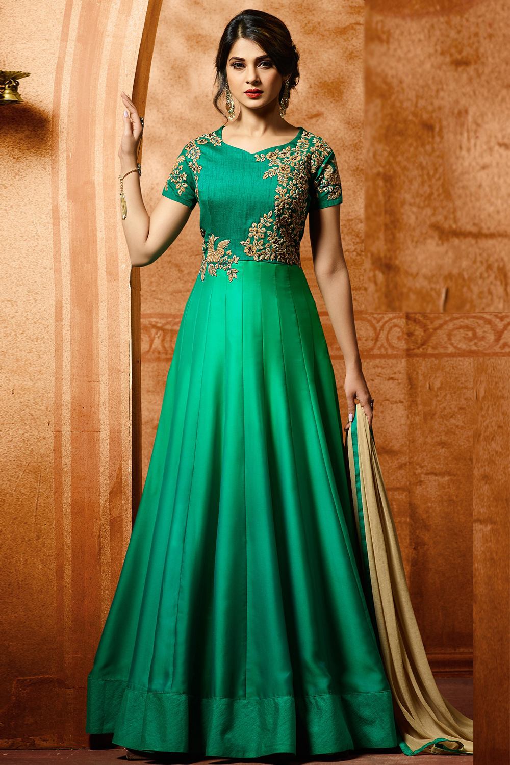 Jennifer Winget Green Floor Length Anarkali Suit