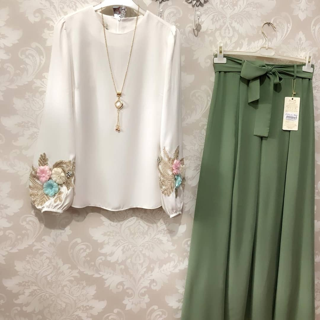 Appealing White Color Zam Cotton Top With Green Color Plazzo
