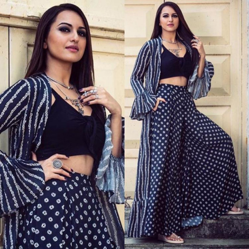 Sonakshi Sinha Navy Blue Colored Plazzo With koti