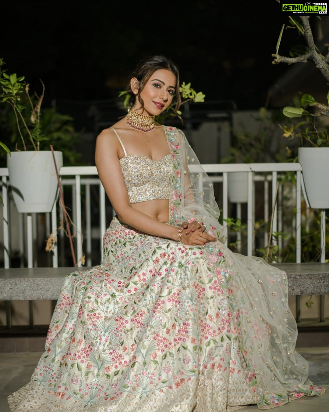 Bollywood Rakul Preet Singh Off White Traditional Outfits Lehenga Choli
