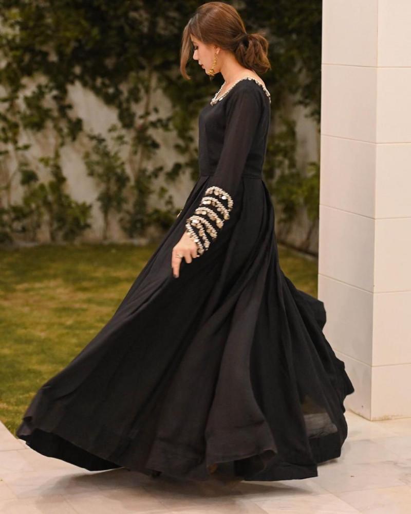 Black Color Party Wear Heavy Gorgette Log Gown
