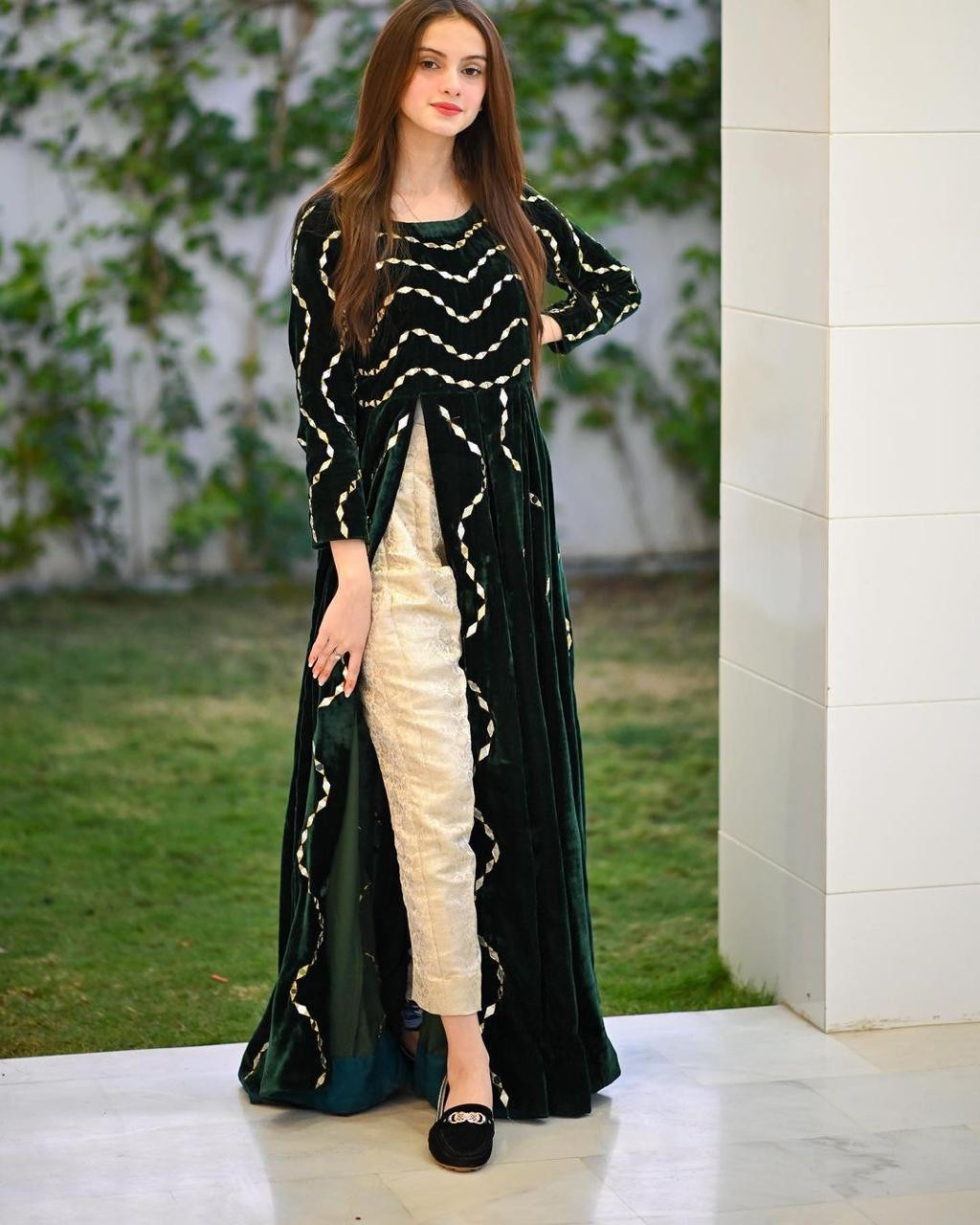 Green Color Mirroe With Embroidery Work Kurti With Pent