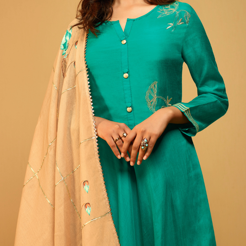 Forest Green Super Fine Muslin Long Tunic with Malmal Cotton Inner Paired with Malmal Cotton Printed Stole with Gota Work