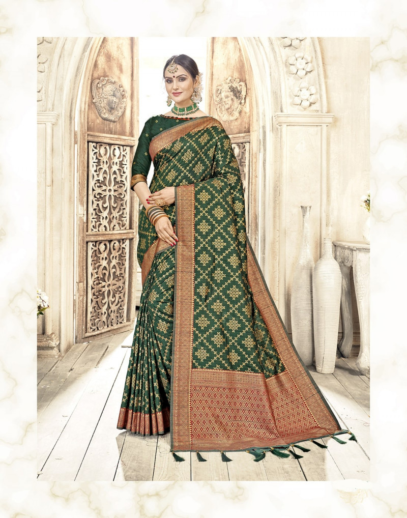 Indian Ethnic Designer Collection with checks Design golden Art Work Banarasi Silk Green Saree