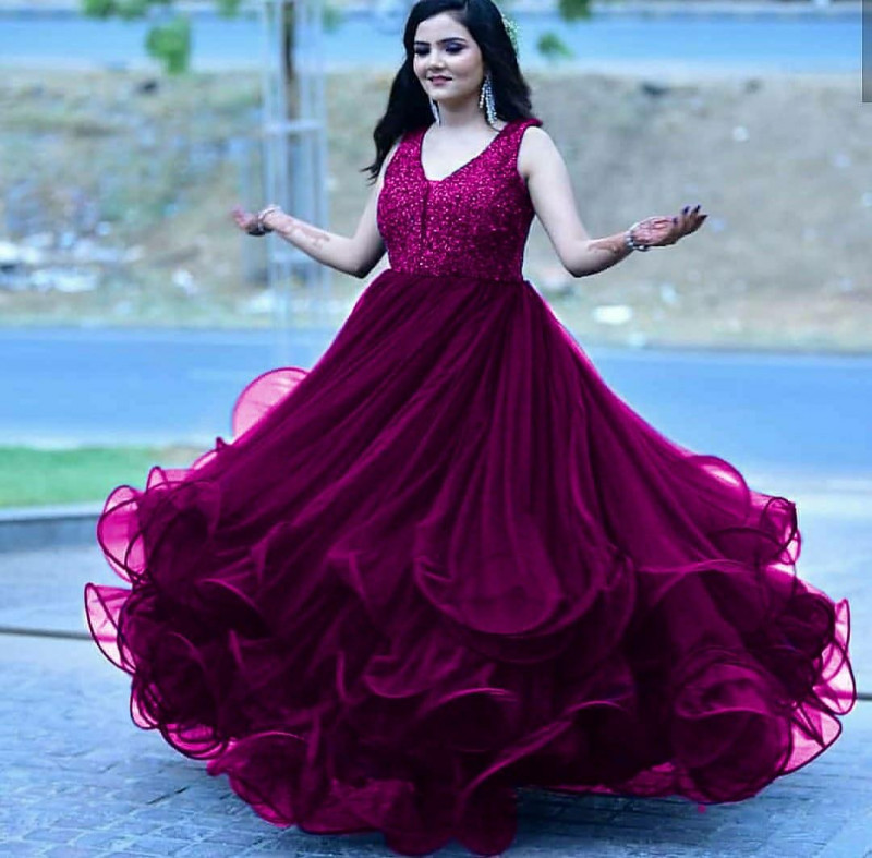 Hypnotic Embroidereded Purple Gown