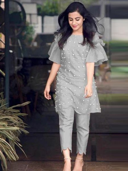 Buy Stylish Grey Short Kurti with Cigarette Pants Design for Girls @ YOYO Fashion