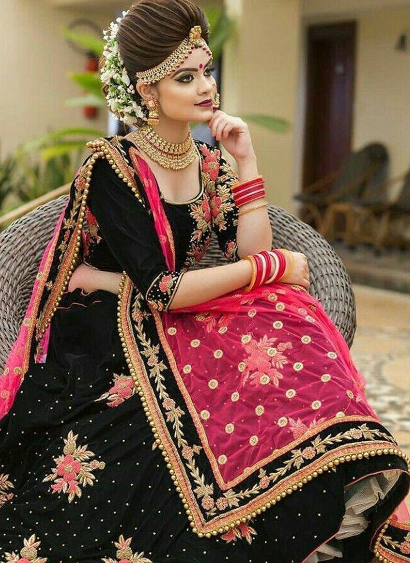 Purchase Latest Black Velvet Dulhan Lehenga Chunni Design 2020 Online