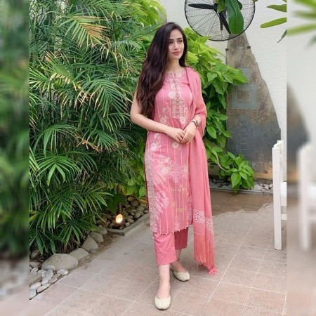 Buy Baby Pink Floral Printed plazo Suit with Dupatta Online from YOYO Fashion