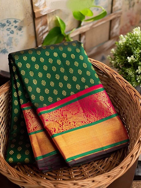 Buy Green Zari Woven Kanjivaram Silk Saree Online from YOYO Fashion