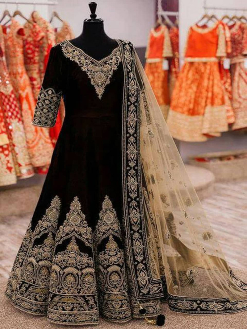 heavy-velvet-embroidery-black-gown-for-wedding