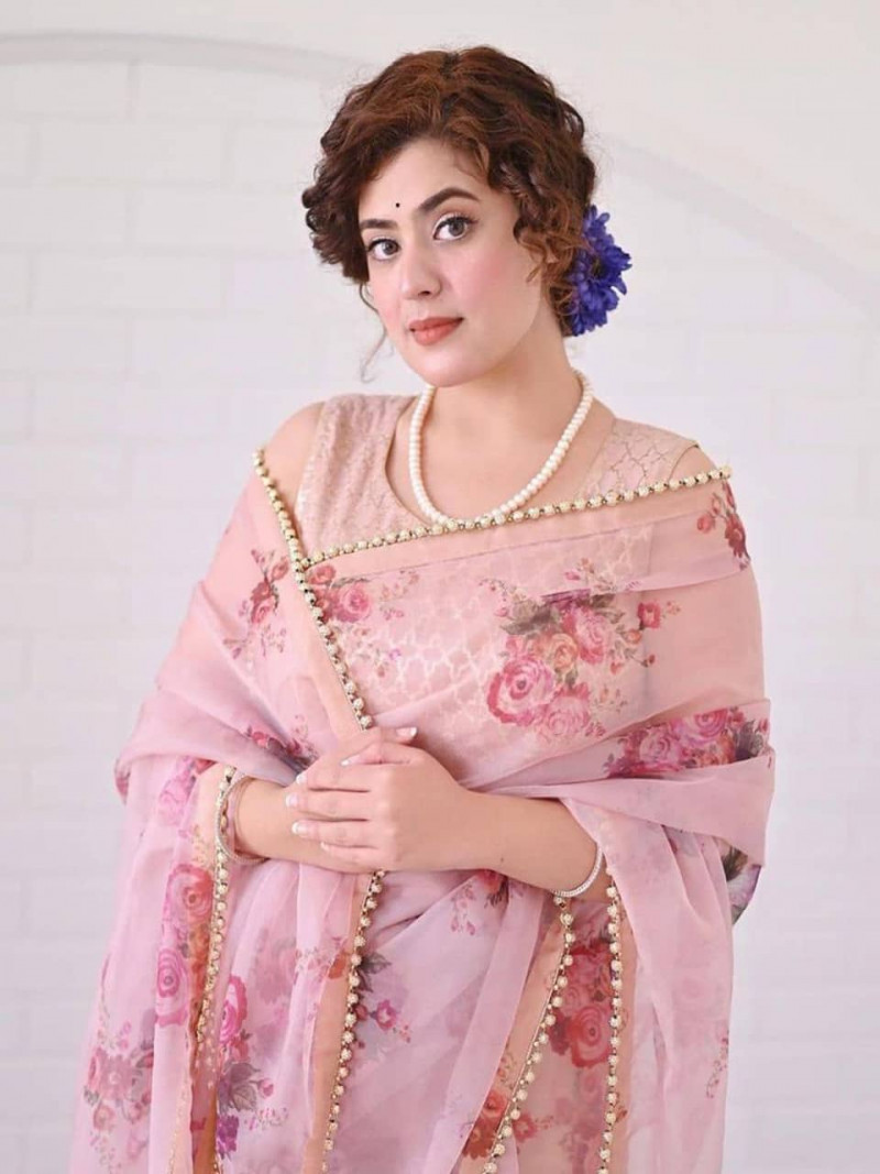 Designer Gerorgette Pink Saree With Moti Lace Border