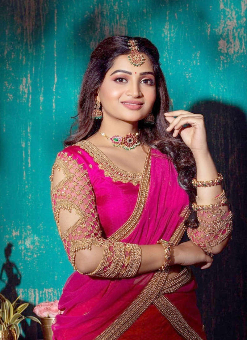 latest-party-wear-reddish-pink-georgette-embroidered-lace-saree